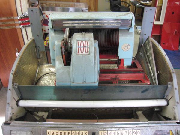 Seeburg Jukebox Restoration and Repair, St Louis