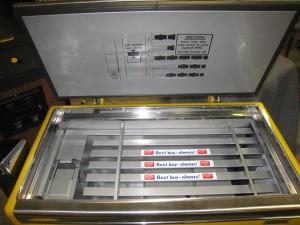 Ideal 85 Slider RC inside top lid after