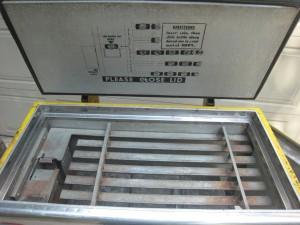 Ideal 85 Slider RC inside top lid before