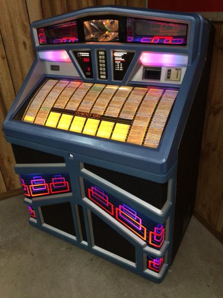Vintage Jukeboxes For 120